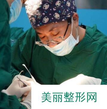 黄如林医生